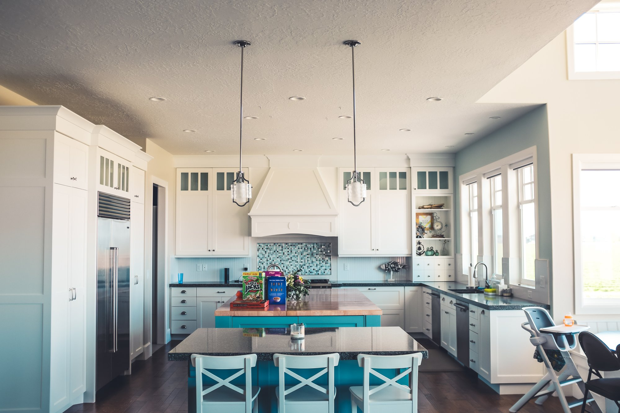 100 Years of Kitchen Design Trends in America - Everything Old ...